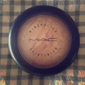 MAC Mineralized Skinfinish in Soft and Gentle